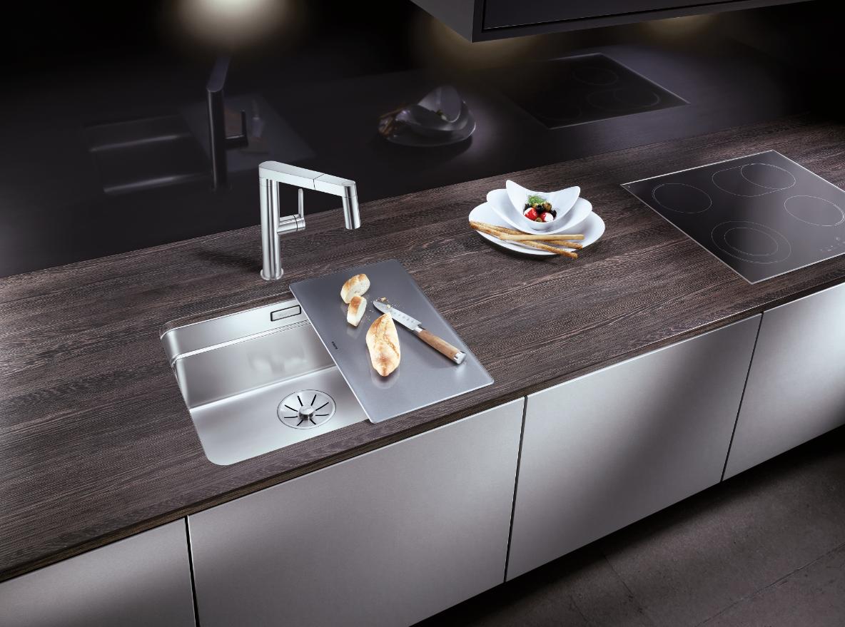 blanco neue programme drei aktionsebenen in einem becken m belmarkt. Black Bedroom Furniture Sets. Home Design Ideas